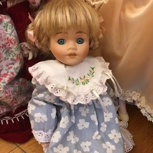 Other - Adorable porcelain collectors doll